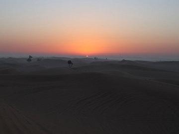 砂漠日の出1.jpg